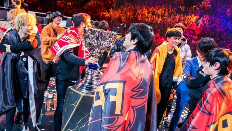 League of Legends Worlds 2019 : l'équipe FunPlus Phoenix sacrée championne du monde